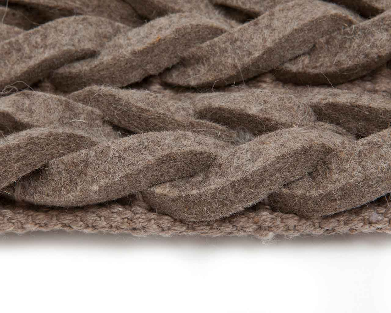 brown close up woolrug india sukhi nordicdesign style 1