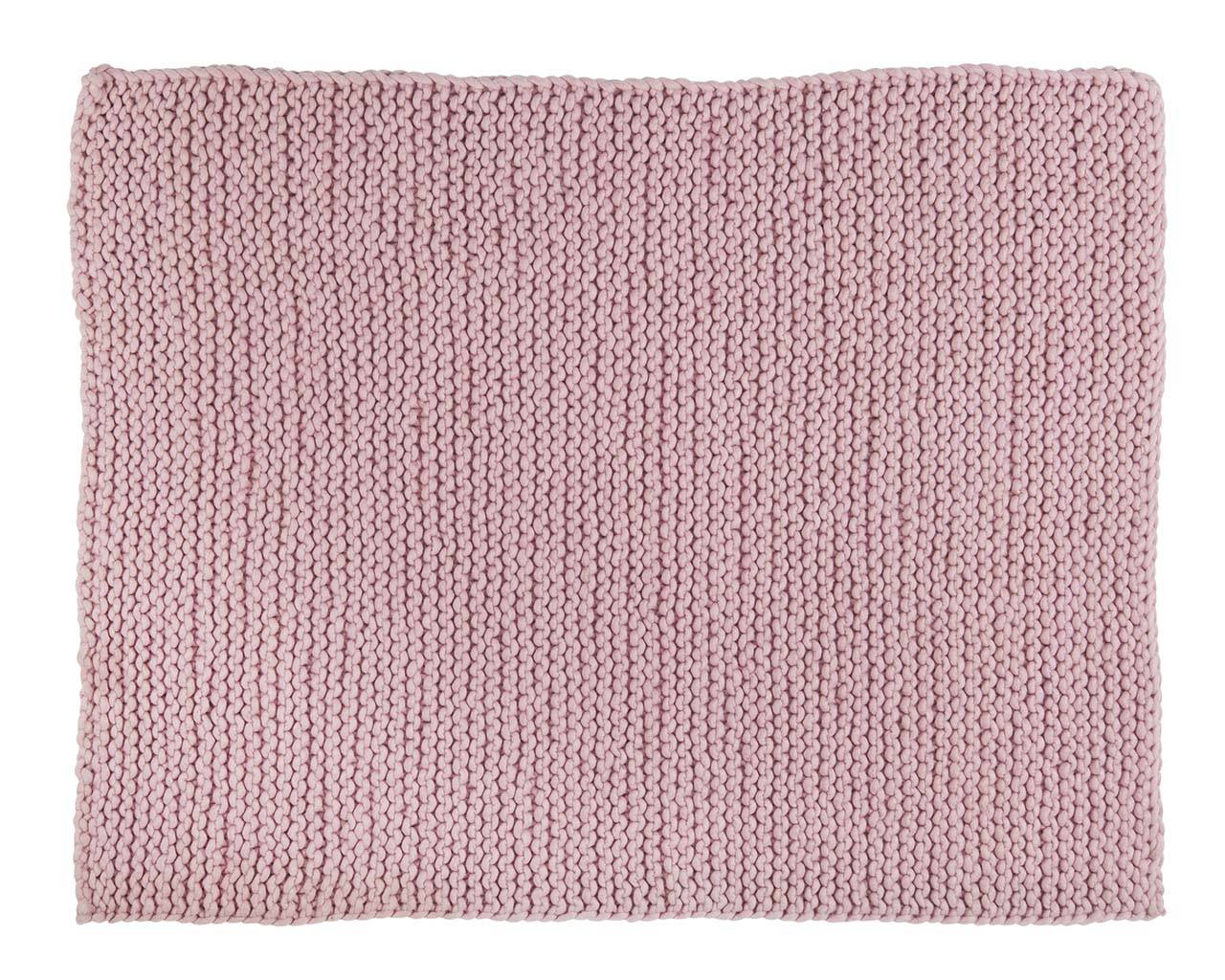 chunky pink rectangle indendors taepper